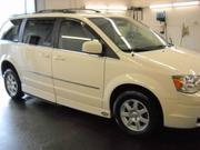 2010 Chrysler V6 Chrysler Town Country TOURING