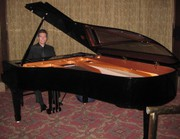 Hire pianists in Manhattan with ease at Manhattanpianist.com