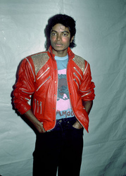 MICHAEL JACKSON RED LEATHER JACKET BEAT IT